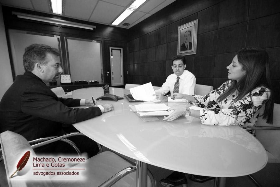 MCLG - Advogados Associados